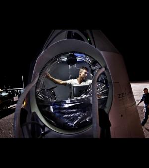 Maintenant, l'homme est seul face � son destin/�Red Bull Stratos